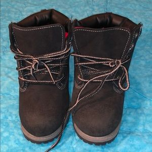Faded glory size 2 youth black hiking boots